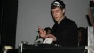 Uffie - Pop The Glock (SebastiAn Remix)