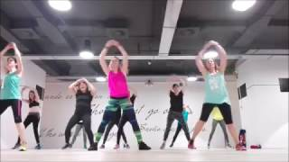 Carlos Vives Ft. J Alvarez - Volvi a Nacer - Zumba Fitness