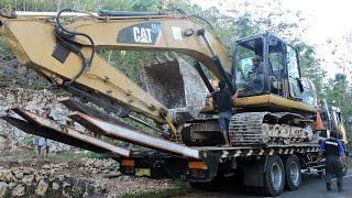 Fuso Self loader Truck CAT 320D Excavator(WARNING!!! NO TV BROADCAST WITHOUT PERMISSION!!! NO RE-UPLOAD!!! MrZygy3., 2016-08-18T22:26:06.000Z)