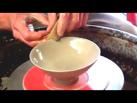 Throwing / Making some Small Fine Rimmed Pottery Bowls on the Wheel