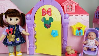Baby Doll house and cooking food toys play story - ToyMong TV 토이몽