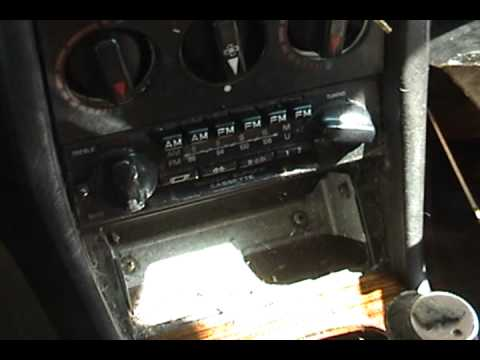 1983 Mercedes-Benz 240D part 4: new radio on