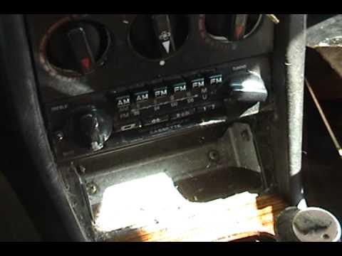 1983 Mercedes-Benz 240D part 4 new radio - YouTube