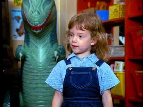 Trailer do filme Um Tira no Jardim de Infância