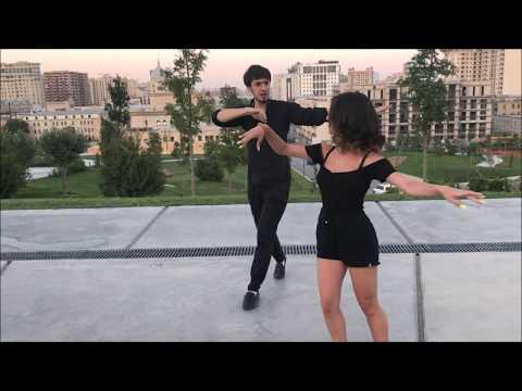 Девушка Танцует Невероятно