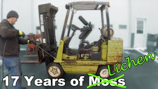Fixing a Forklift that Sat in a Field for 17 Years - Timing Belt, Mast, Hydraulics, Cleanup - Part 2