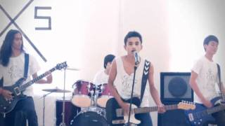 Nervous On The Stage - Wanita Berpagar Gigi (Official Video).avi