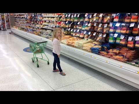 Omaha Week 08 | Dancing in the Grocery Store | CandyCorn = The Devil's Candy!
