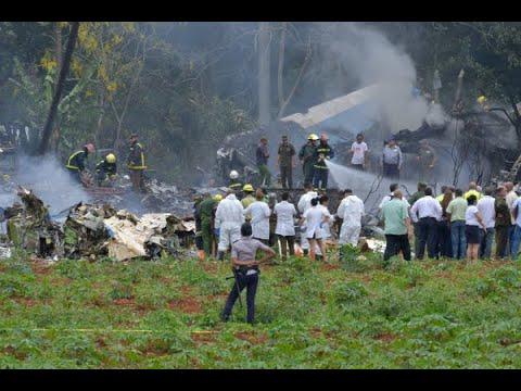 Avião com 113 pessoas a bordo cai logo após decolar em Havana | SBT Brasil (18/05/18)