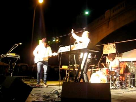 """60 Watt Kid Performing """"We Come From the Bright Side"""" at the Silver Lake Jubilee"""