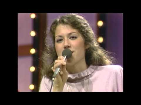 """Amy Grant - """"In A Little While"""" - Live Performance 1981"""