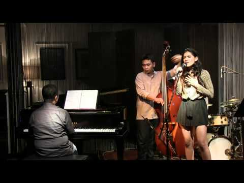 Monita Tahalea - Kekasih Sejati @ Mostly Jazz 27/04/12 [HD]
