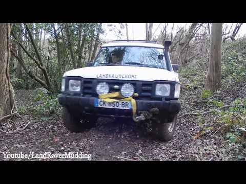Land Rover off road at St Rémy L'Honoré