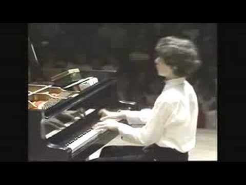 Evgeny Kissin plays Waltz op.posthumos in E-min by Chopin