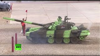 На полигоне Алабино проходит финал танкового биатлона в рамках «АрМИ-2015»