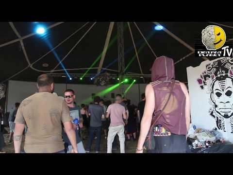 Hughesee - 93 Breakbeat Hardcore Mix - Footage from Freekuency Festival 2017