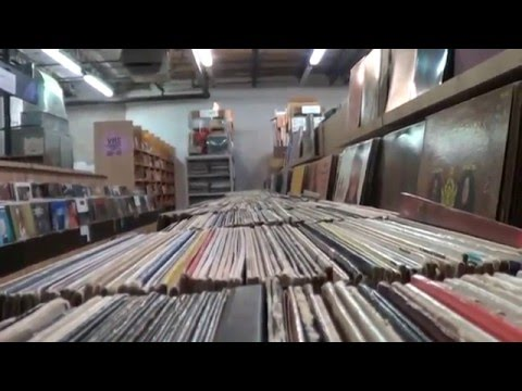 Record Store Walking Tour #34 ~ Bananas Music & Movies (St.