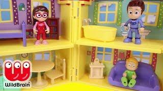 PJ Masks Surprise turns Paw Patrol Toys Kitchen Fun | Ellie Sparkles Toys and Dolls