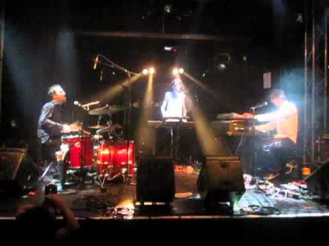 "Lisa Papineau ""Rene Thomas"" - Gals Rock On Stage @..."