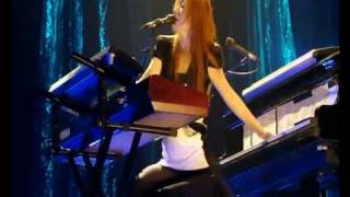 Tori Amos Live In Paris - Lady In Blue (Version 2)