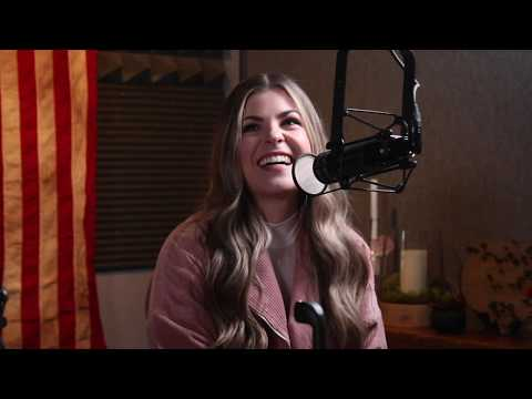Download Who Is Tenille Arts? 'Bachelor' Singer Spills On Her Own Love Life Mp4 baru