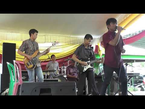 Menemukanmu- Seventeen cover by dadakan band