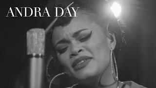 Смотреть клип Andra Day - Winter Wonderland