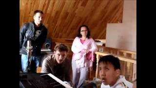 Павел Воля пришел в гости к многодетной семье