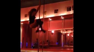 Карина Зверева на шесте (Pole dance - Танец на шесте)