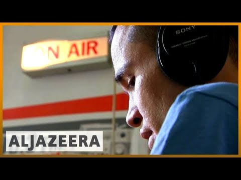 🇫🇷 📻 Radio for refugees: Show provides information on asylum | Al Jazeera English