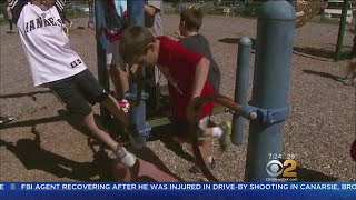 Personal trainer and author Jasson Finney sat down with CBS2's Andr...