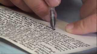 Escritura hebrea / Hebrew writing /  Escribir texto hebreo con pluma de ave y tinta - Turismo Israel