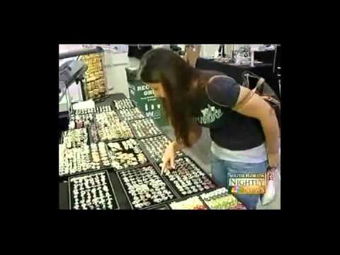 Worlds Greatest Indoor Flea Market Miami Beach Convention Center December 16 19 2010 You