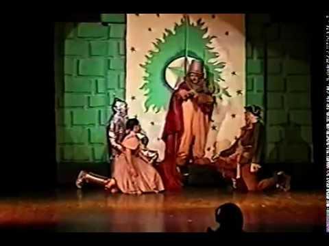 WIZARD OF OZ Melanie as Dorothy PART 12 Gregory Terlecki as Scarecrow  Hudson Music Club