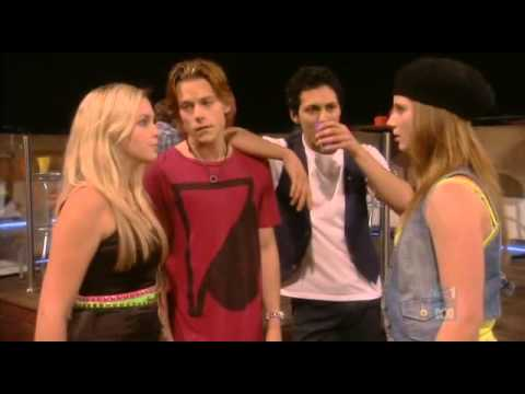 1x01 Sub Танцевальная академия / Dance Academy (2010)