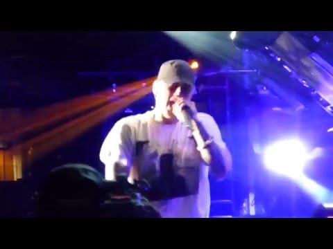 SING FOR THE MOMENT/ LIKE TOY SOLDIERS/ FOREVER -EMINEM & RIHANNA: MONSTER TOUR 19 of 27