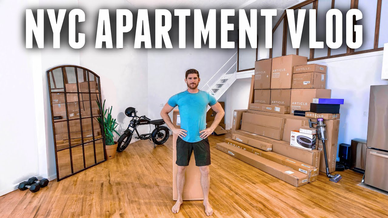 LIVING IN NEW YORK CITY | Decorating my NEW NYC Apartment!