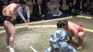 20140511 日馬富士vs嘉風 大相撲夏場所初日 日馬富士 師匠の眼鏡を壊す.