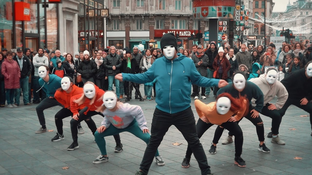 Epic Proposal Flash Mob Guy Joins In And Is Amazing Youtube