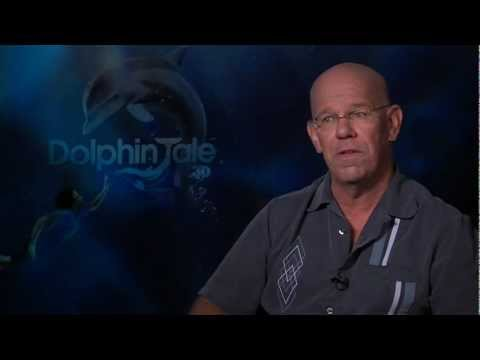 DOLPHIN TALE  Charles Martin Smith