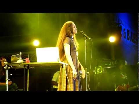 HD - Erykah Badu - Didn't Cha Know / Believe In Yourself (live) @ Nova Jazz Festival, Wiesen 2011