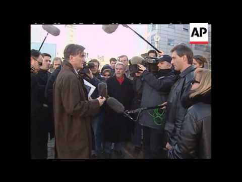 Lawyers comment on Milosevic defence
