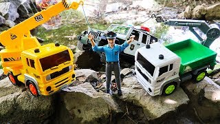 Police Cars Jeep stuck in Mud - Coca Cola Truck with Bruder Toys Vehicles