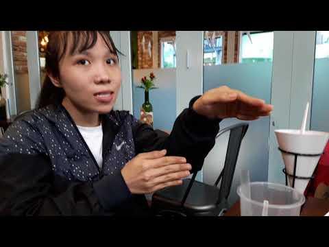 Vietnamese grads advised against going college