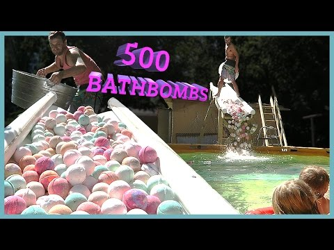 Thumbnail: 500 BATH BOMBS IN SWIMMING POOL‼️