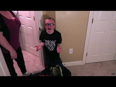 Kids Hysterically Cry When Parents Scream at Them For Prank