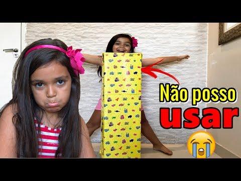 GANHEI UM PRESENTE DE NATAL DA VOVÓ E NÃO POSSO USAR - EdUARDA FERRÃO