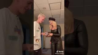 Даня Милохин Поцелувал Аню Покров