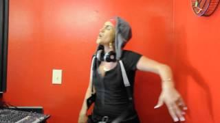 """ White Chick Spitting EMINEM Microphone Freestyle - Alchemist """