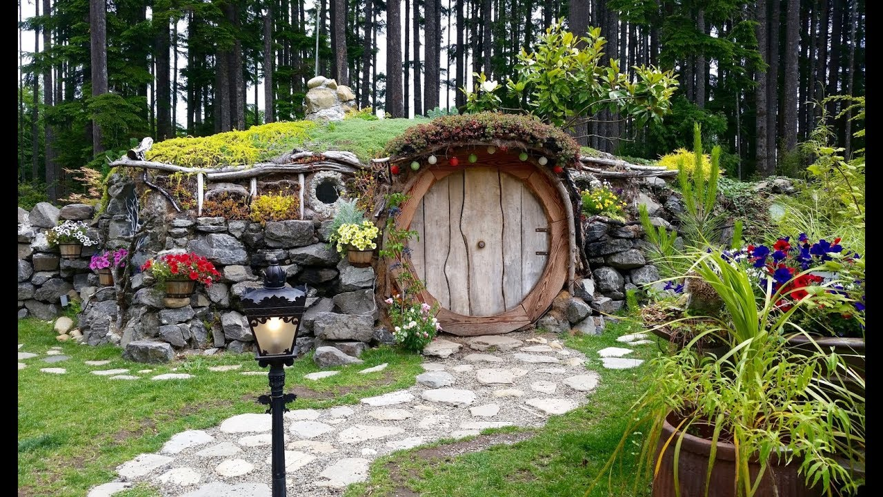 Real Life Hobbit House | Lord of the Rings - June 18, 2017 - usaaffamily  vlog